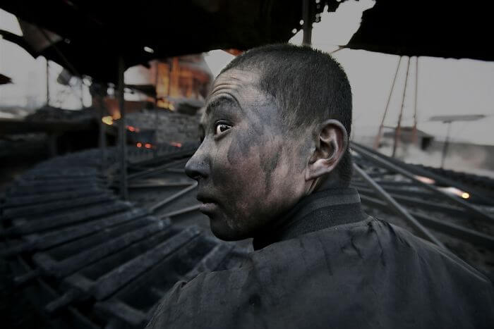 Award-Winning Photojournalist Captured 21 Impressive Pictures China Wouldn't Want Anyone To See