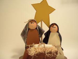 Poesía corta de Navidad. No hay posada. Nacimiento de Jesús. Poema para niños. Celebración del día de navidad. Acto navideño. Nació Jesús. postaeles cristianas de navidad con poesía corta para decirla en actos navidad navideños por niños pequeños, actos escolares. Diciembre.