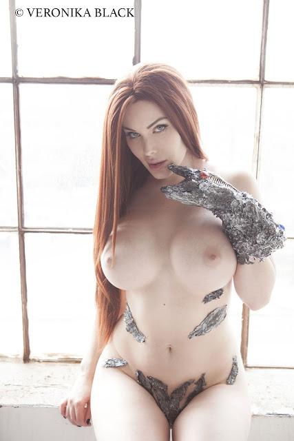 Veronika Black teasing naked
