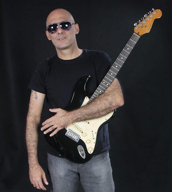 Daniel Dú Blues volta aos palcos cariocas