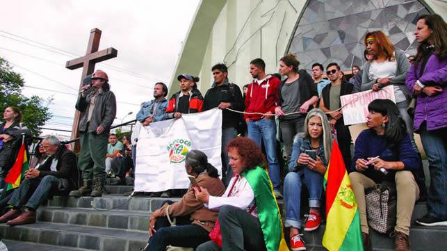 Pititas y llantitas en alerta por proyecto que busca impunidad de Evo