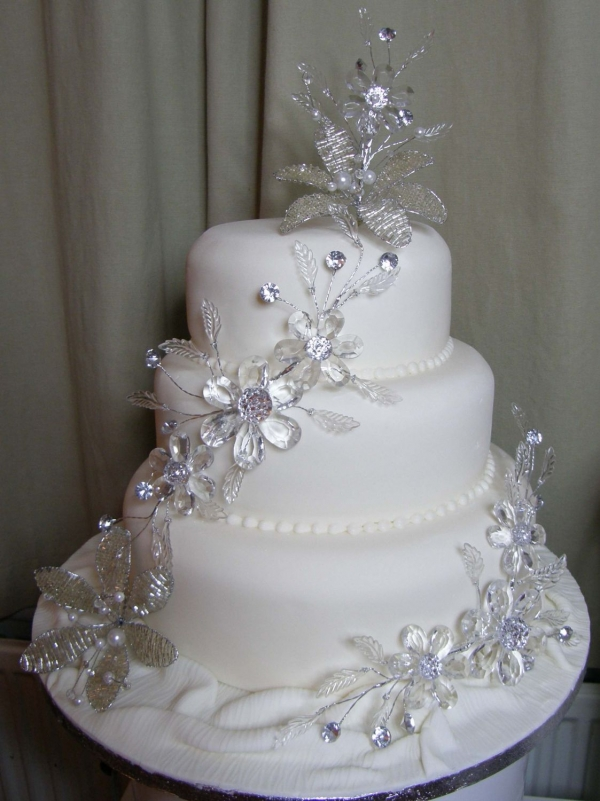 Wedding Cake Bling Beautiful Cakes That Sparkle  Shine