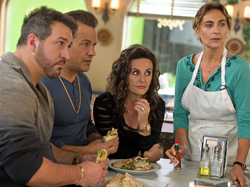 F This Movie!: Review: My Big Fat Greek Wedding 2