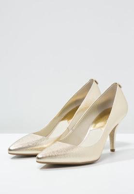 złote czółenka szpilki Michael Kors najmodniejsze buty ślubne złote szpilki na ślub 2016
