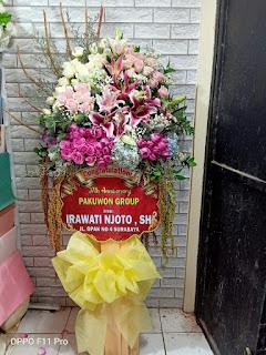 standing flower selamat sukses sidoarjo