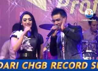 Lyric : Gerry Mahesa & Merinda Anjani - Gita Cinta (CHGB Record)