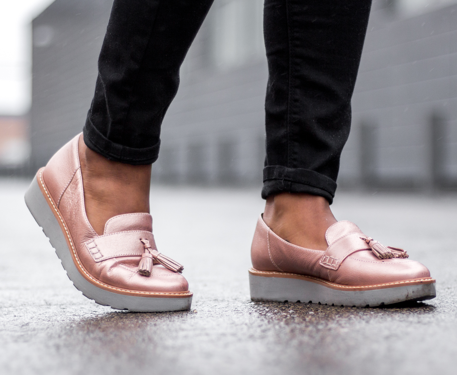 rose-gold-shoes-outfit