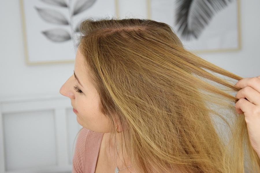 Jak prawidłowo myć włosy i skórę głowy? 10 najważniejszych informacji