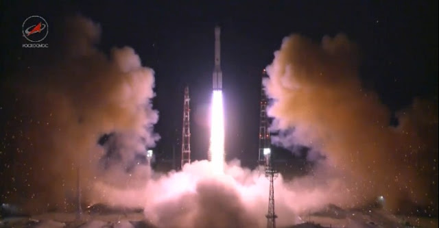Proton-M rocket launches Russian Ekspress-AM8 satellite. Credit: Roscosmos