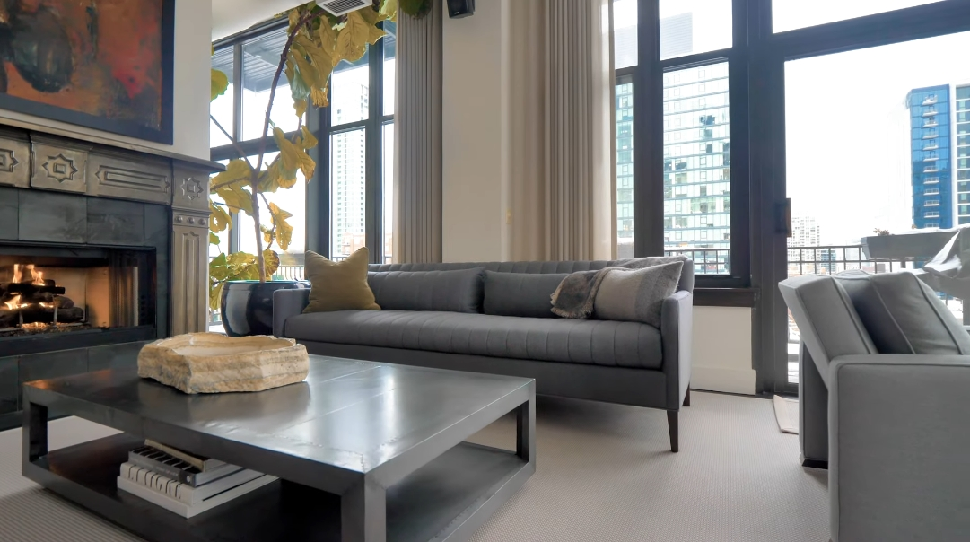 31 Interior Design Photos vs. 333 W Hubbard St #806, Chicago Luxury Condo Tour