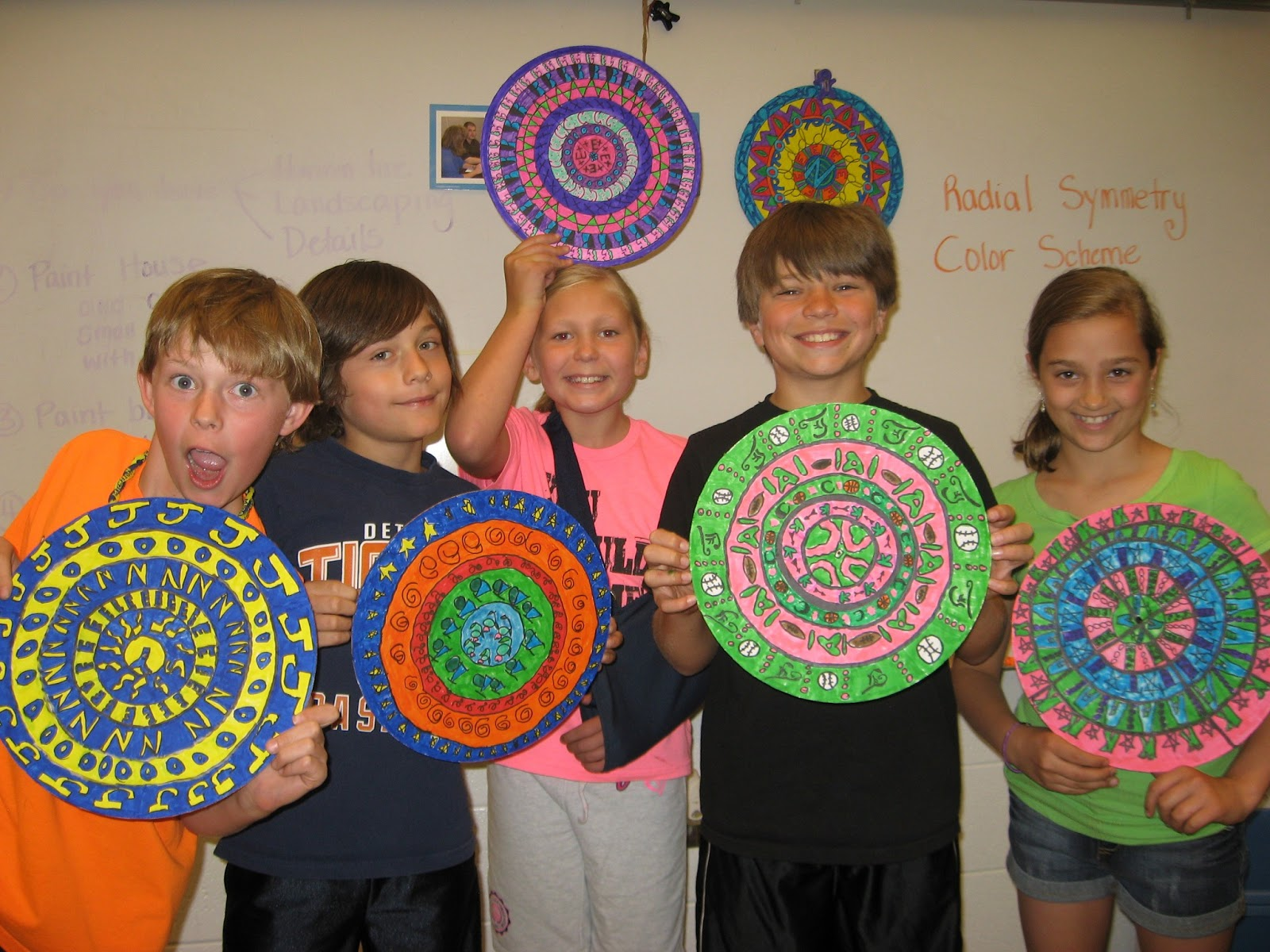 Jamestown Elementary Art Blog 4th Grade Graphic Design Radial Art