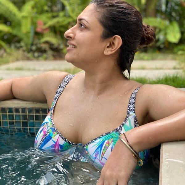 malavika-swimming-dress-photo-gone-viral
