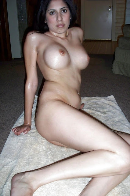 naked girl boob gifs
