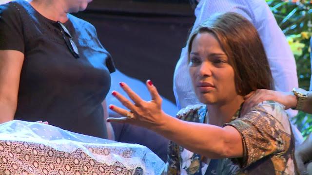 Flordelis vira ré, apontada por mandar matar o marido, pastor Anderson; polícia prende 5 filhos e 1 neta