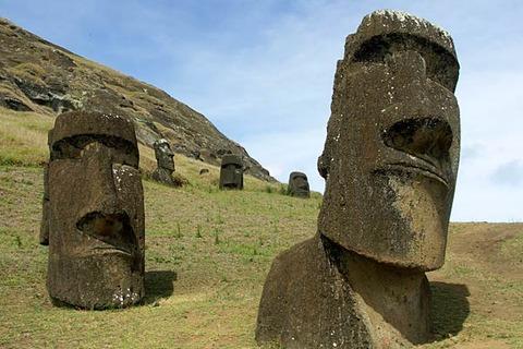 تماثيل جزيرة الفصح لها أجساد