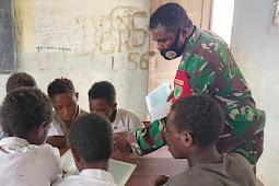 TNI Mengajar di SD Kawagit, Boven Digoel Papua