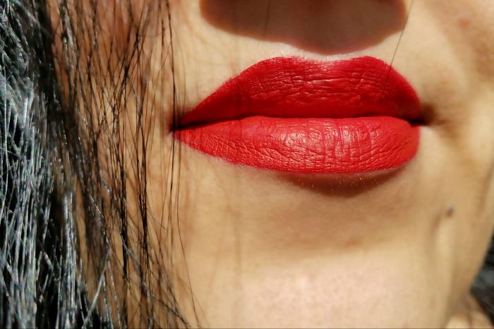Review: Estée Lauder - Pure Color Envy Paint-On Liquid Lipcolor Matte Controversial - Madame Keke The Luxury Beauty and Lifestyle Blog