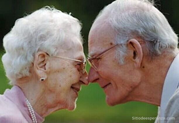 Amor en pareja de ancianos