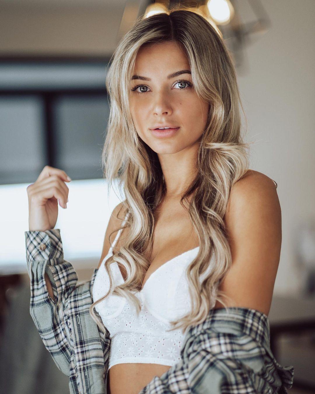 Canadian Instagram Model DP
