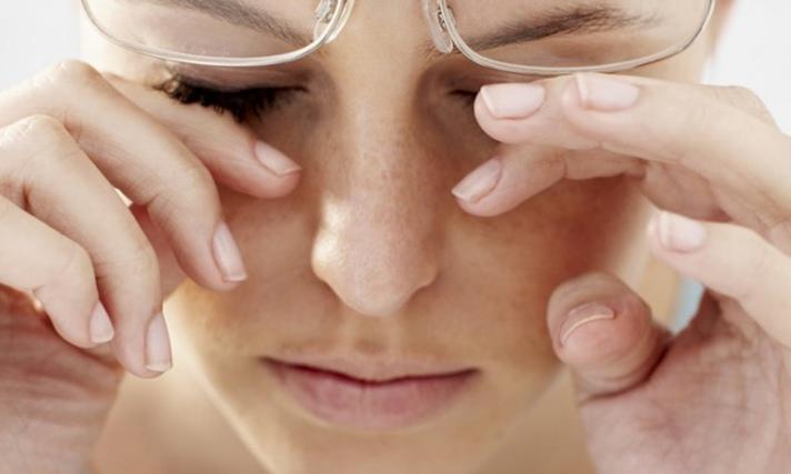 Obat Sakit Mata Alami yang Bisa Diracik Sendiri
