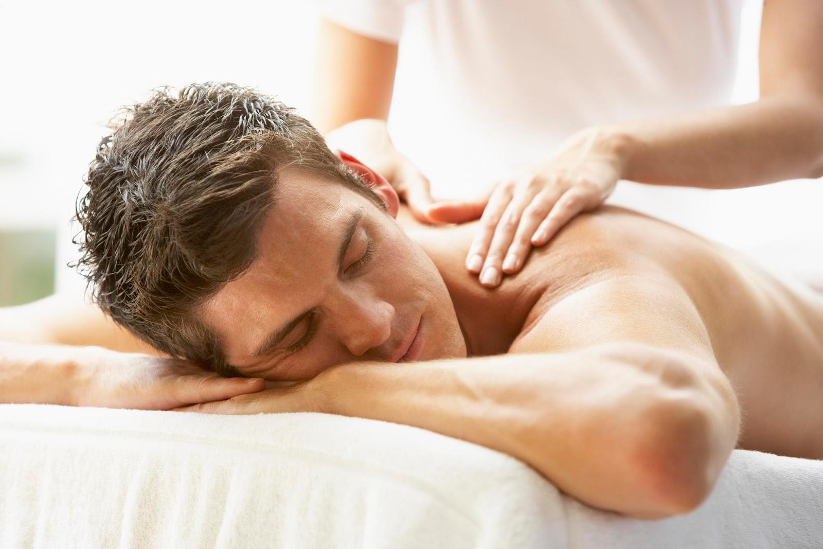 Как сделать массаж спины мужчине (видео уроки по) 69