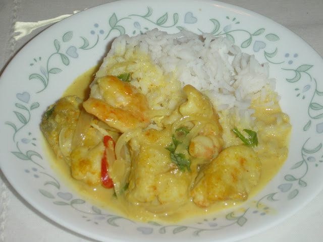 Fish And Prawns In Coconut Milk Curry