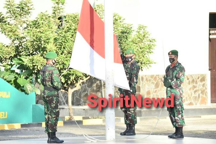 Personil Korem 141/Tp, Balakrem, PNS Melaksanakan Upacara Bendera