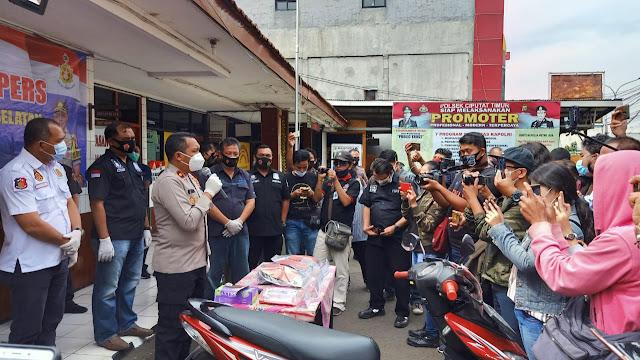 Viral Begal Di UPJ, Dua Pelaku Dibekuk Polsek Ciputat Timur