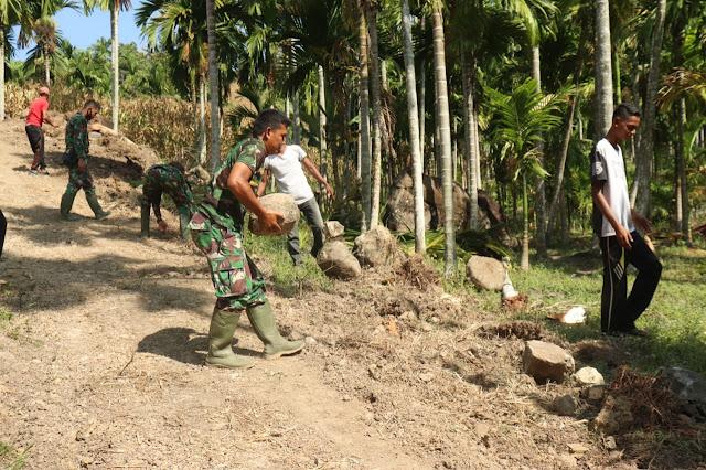 Gotong Royong Terus Digelontorkan Satgas TMMD Kodim 0111/Bireuen