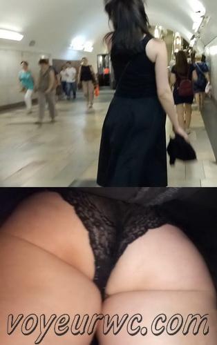 Upskirts 4156-4166 (Secretly taking an upskirt video of beautiful women on escalator)