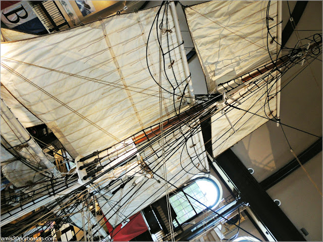 Velas del Lagoda en el Museo de Ballenas de New Bedford, Massachusetts