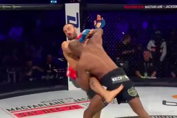 Michael Page Destroys Gianni Melillo