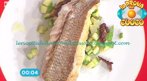Dentice piastrato con insalata di zucchine e limone for Cucinare dentice