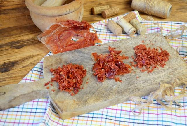 jamón serrano, sal de jamón, escamas de sal de jamón, escamas de jamón, secar jamón serrano, como hacer sal de jamón, sal de jamon microondas, como se hace sal de jamon, sal de jamon serrano, las delicias de mayte,