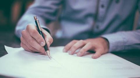 Érdemes közjegyzői okiratba foglalni az ingatlan adásvételi szerződését