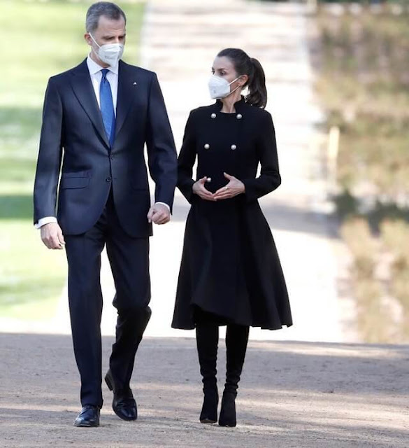 Queen Letizia wore a double breasted wool blend coat from Carolina Herrera. Isabel Diaz Ayuso