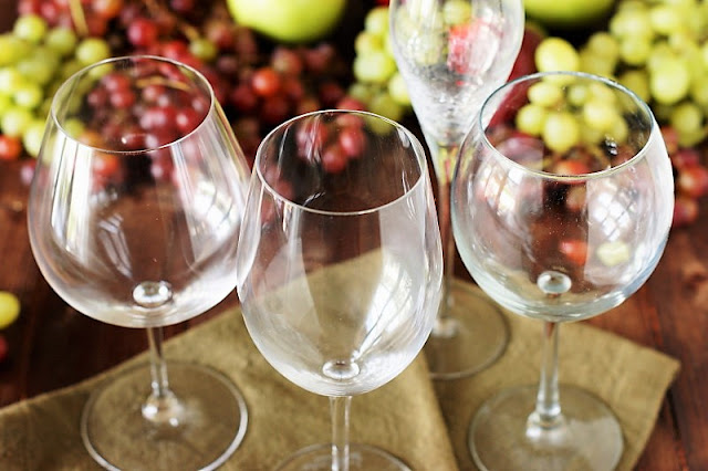 Consider the Bowl Shape When Choosing the Right Wine Glass Image