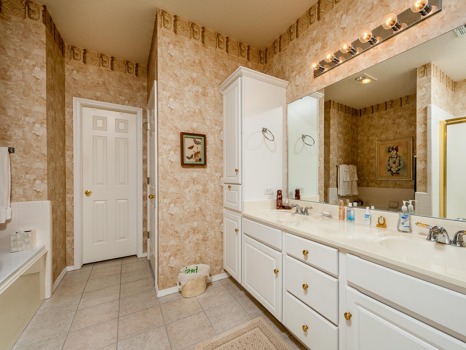 Domowo 158 Kafelki Są Już Passé Czas Na Tapetę W łazience