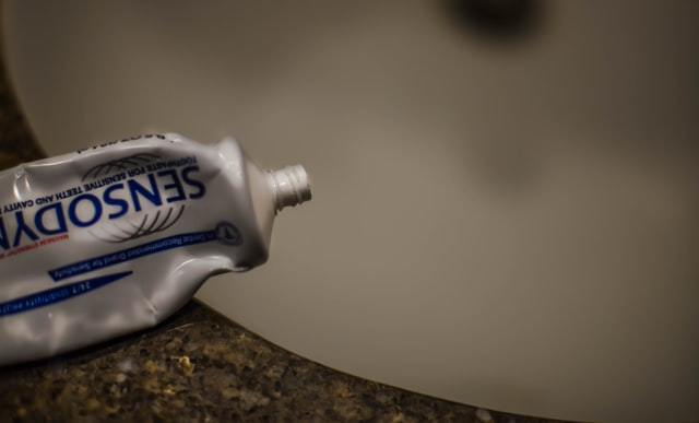 Can Toothpaste Really Remove Blackheads?