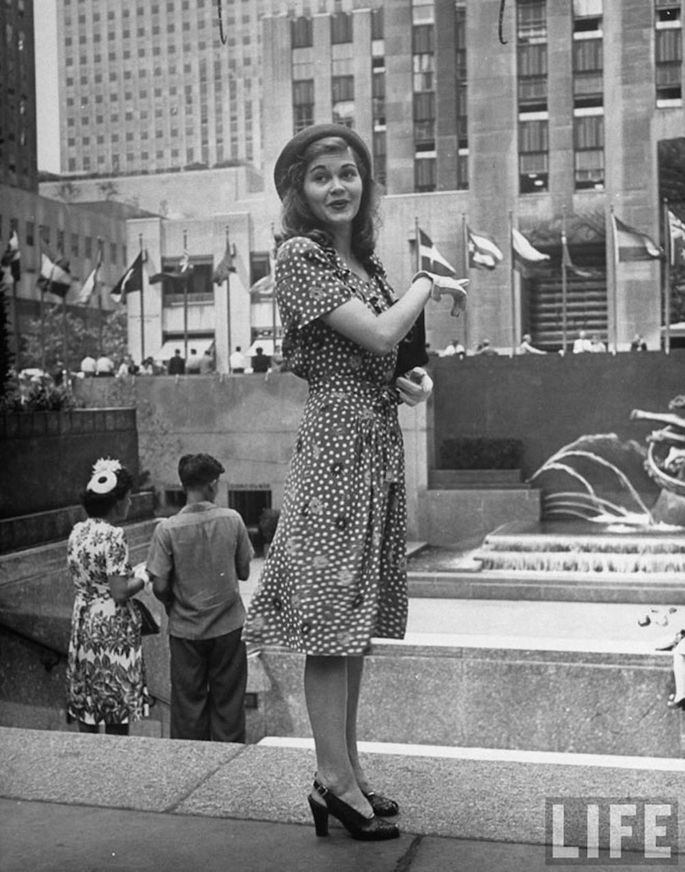 Amazing New York Street Style From the 1940s ~ vintage everyday