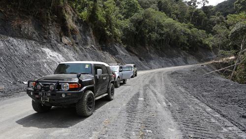Kendala Pembangunan Jalan Trans Papua Mulai dari Pekerja Diculik hingga Ekskavator Harus Dipreteli