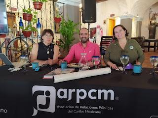Rocio Gómez, Israel Urbina y Cynthia Santamaría.