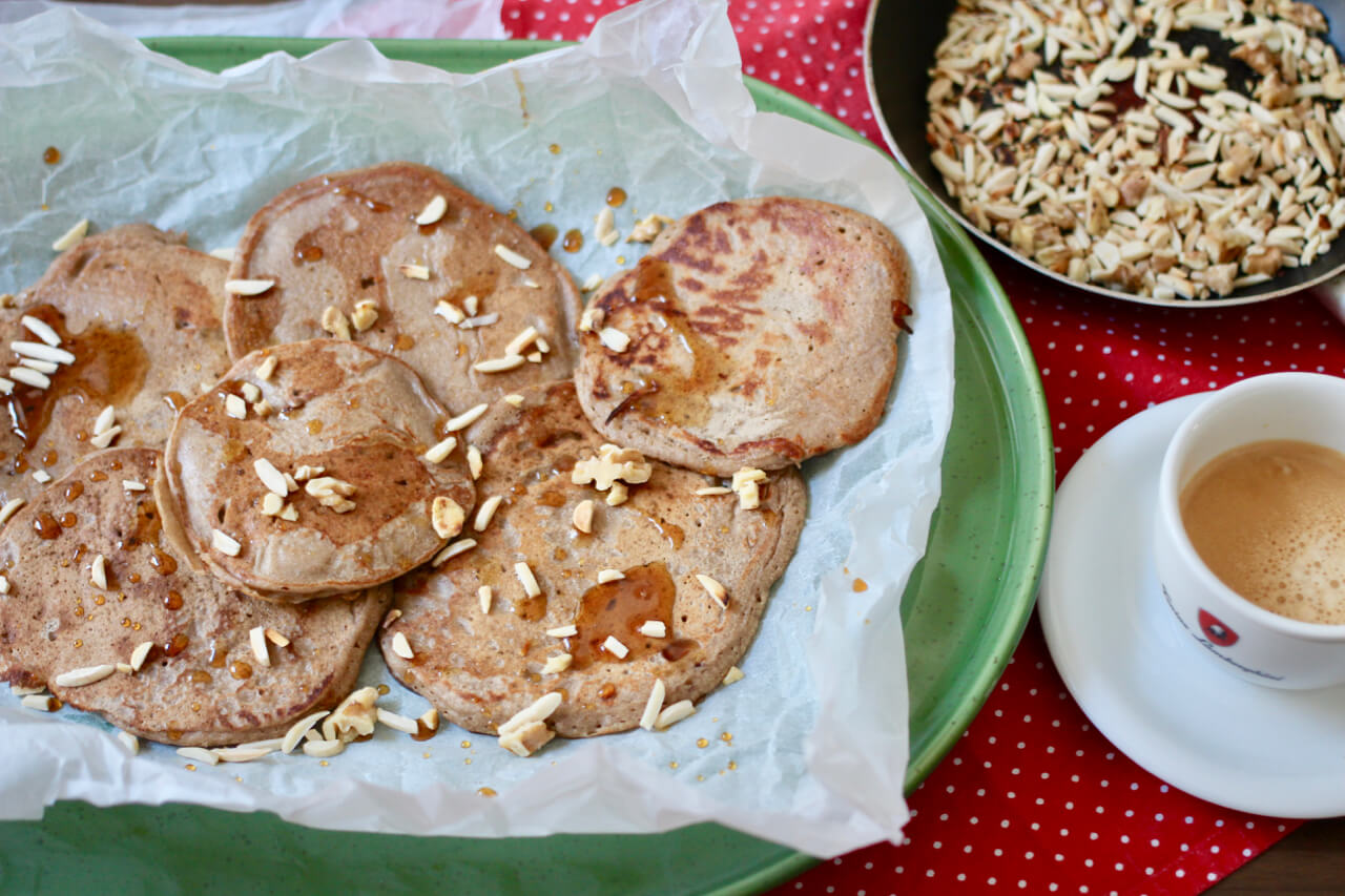 Vegane glutenfreie Buchweizenpfannkuchen