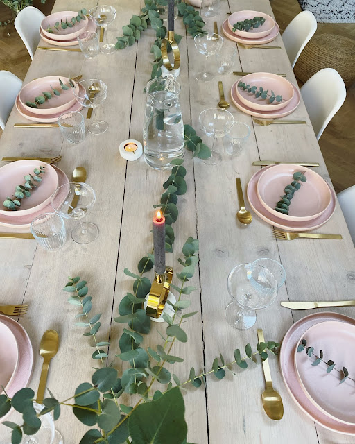 setting the table for christmas