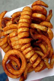 طريقة عمل البطاطس الحارة المحمرة في الفرن :