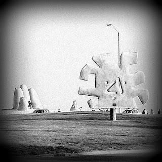 O Monumento La Mano, em Punta Del Este