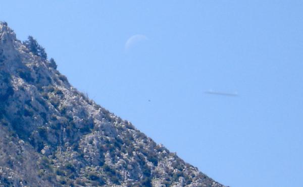 UFO News ~ White UFO Over Australia and MORE Mountain%252C%2Brod%252C%2Btiny%2Bspecies%252C%2Bfish%252C%2Bocean%252C%2Bminiture%252C%2Bart%252C%2Bmuseum%252C%2Bfaces%252C%2Bface%252C%2Bevidence%252C%2Bdisclosure%252C%2BRussia%252C%2BMars%252C%2Bmonster%252C%2Brover%252C%2Briver%252C%2BAztec%252C%2BMayan%252C%2Bbiology%252C%2Btime%252C%2Btravel%252C%2Btraveler%252C%2Breal%252C%2BUFO%252C%2BUFOs%252C%2Bsighting%252C%2Bsightings%252C%2Balien%252C%2Baliens%252C%2Buniverse%252C5
