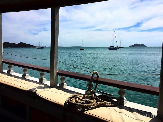 Búzios vista de um barco na Praia da Armação