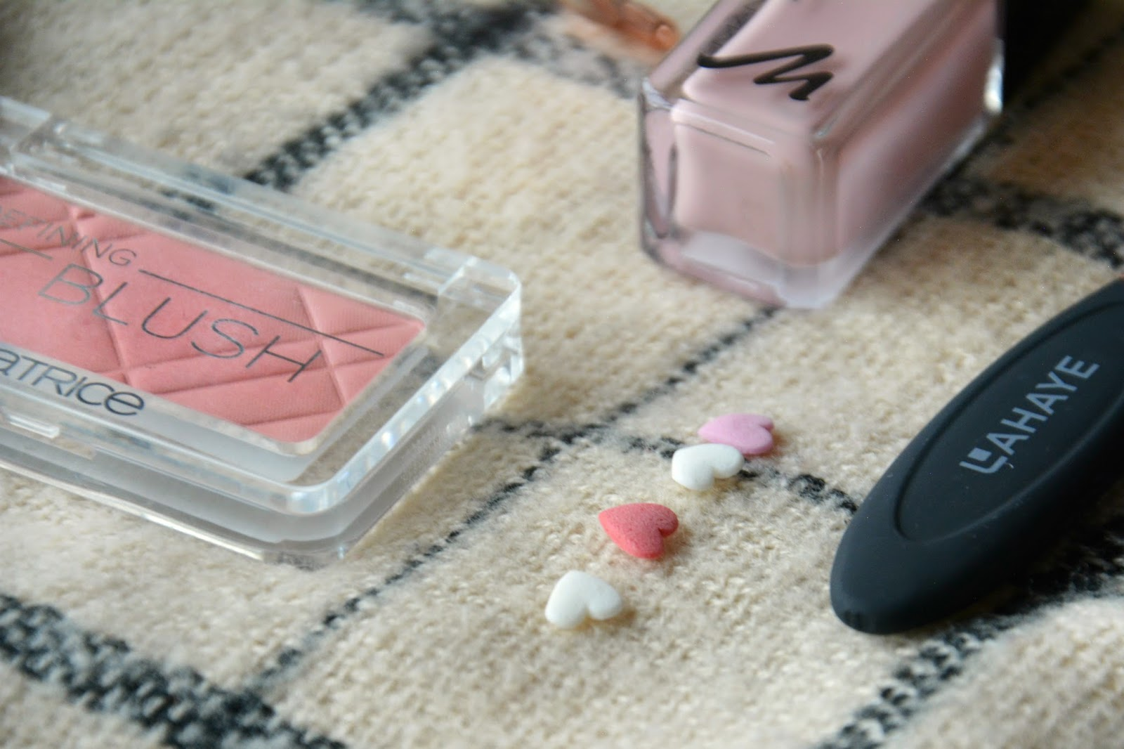 Patrice Defining Blush, Lahaye Brushes, Manhattan Last & Shine Nail Polish, Zara Scarf