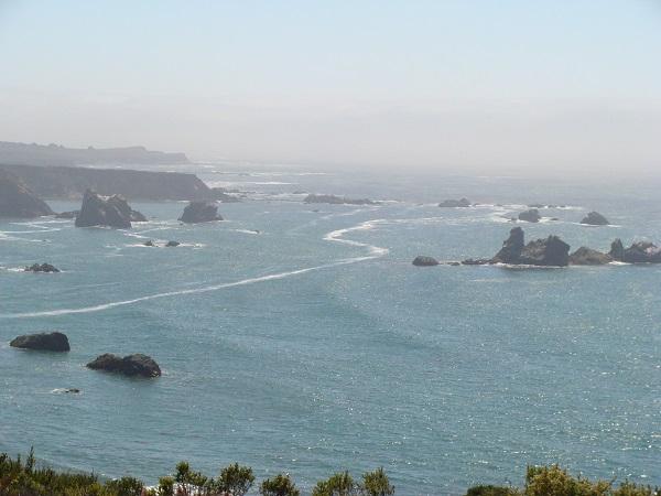 Blick vom Highway No. 1 auf den Pazifik in 2010
